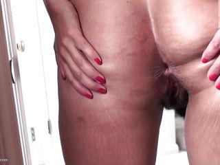 порно ролики зрелых мам